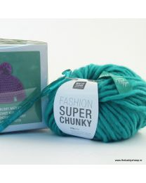 Wild Wild Wool Crochet Hat Kit in Green